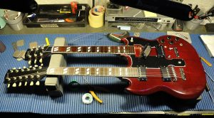 18596987 1907396502864146 441550543 o 300x166 - Tech Guitar Tips - Floyd Rose con Michele Migi