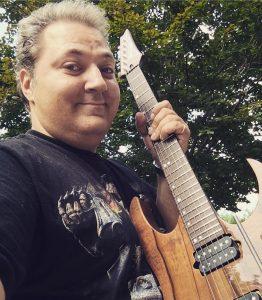 18697480 698360277024621 1007510193 o 262x300 - Luthier Guitar Tips  - Elettronica con Fabio Gobbi