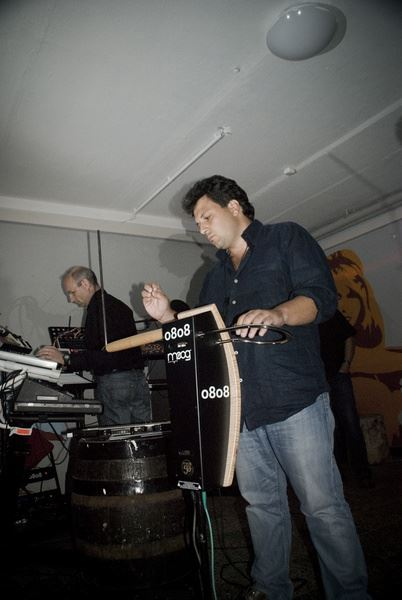 Fabio Pesce e Chris Henkel  - A scuola di Theremin
