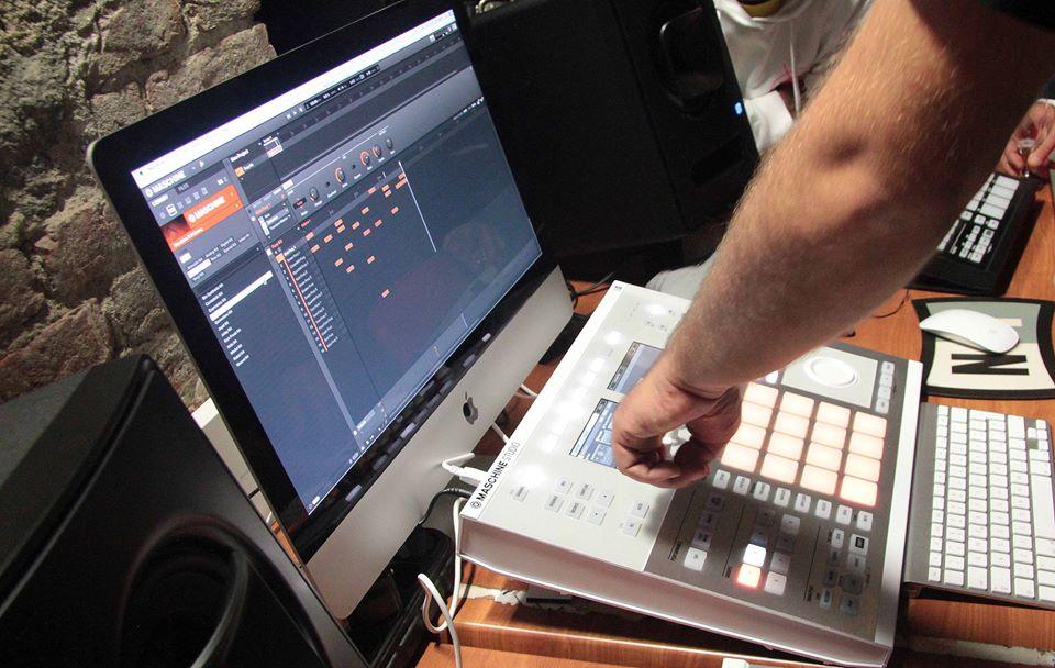 Maschine studio Age of Audio Foto di Antonio Campeglia - MASCHINE STUDIO TOUR