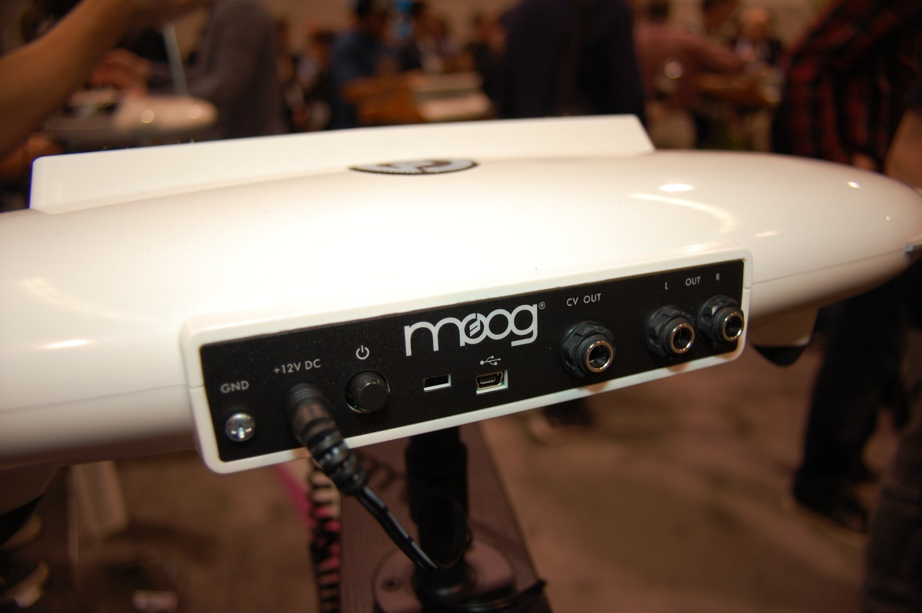 Moog Theremini Age of Audio - Theremini! L'etere alla riscossa!
