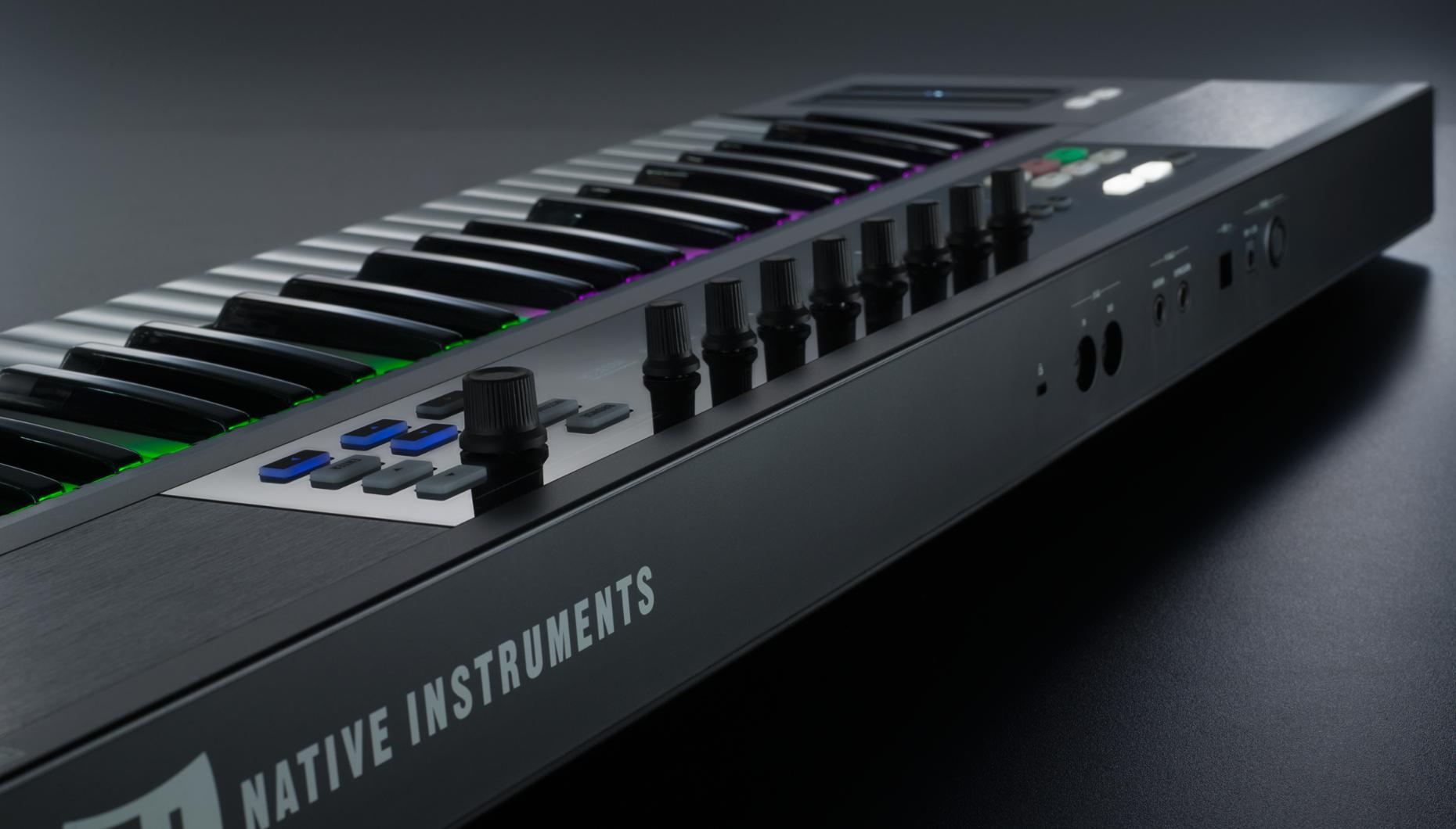 KOMPLETE KONTROL s88 - Native Instruments Kontrol S88  Master Keyboard!