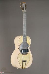 """Rickenbacker 200x300 - La rivoluzione """"rumorosa"""" di Leo Fender!"""