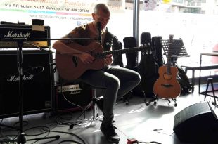 Massimo Varini 310x205 - Reportage Masterclass di chitarra con Massimo Varini