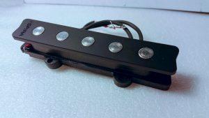 Jaco5 300x169 - Liuther Guitar Tips : Pick up con Luca Villani