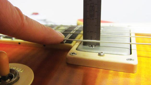 Regolazione in altezza del pick up 2 - Pickups magnetici per chitarra elettrica e componenti passivi: breve guida. Parte II°