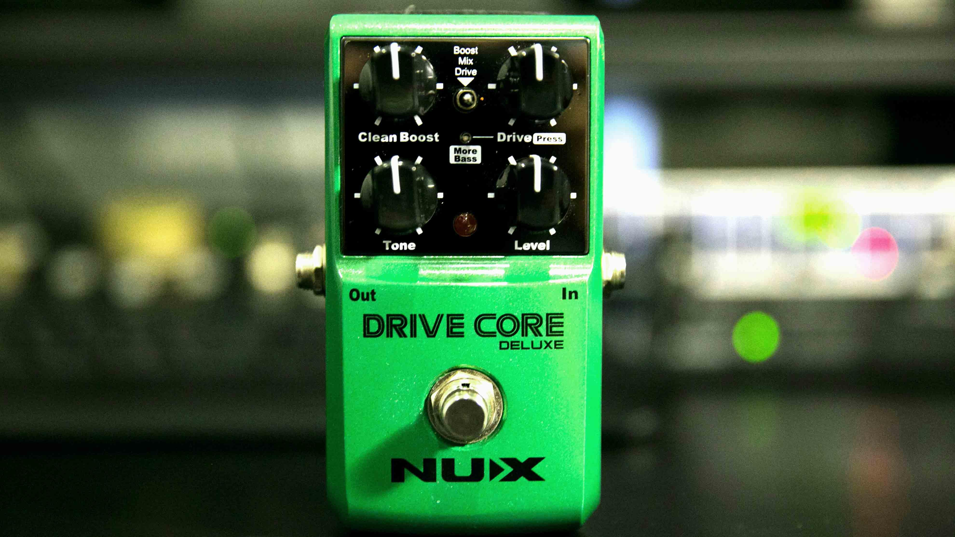 Drive Core Deluxe  - L'urlo dei pedali Nux colpisce anche l'occidente
