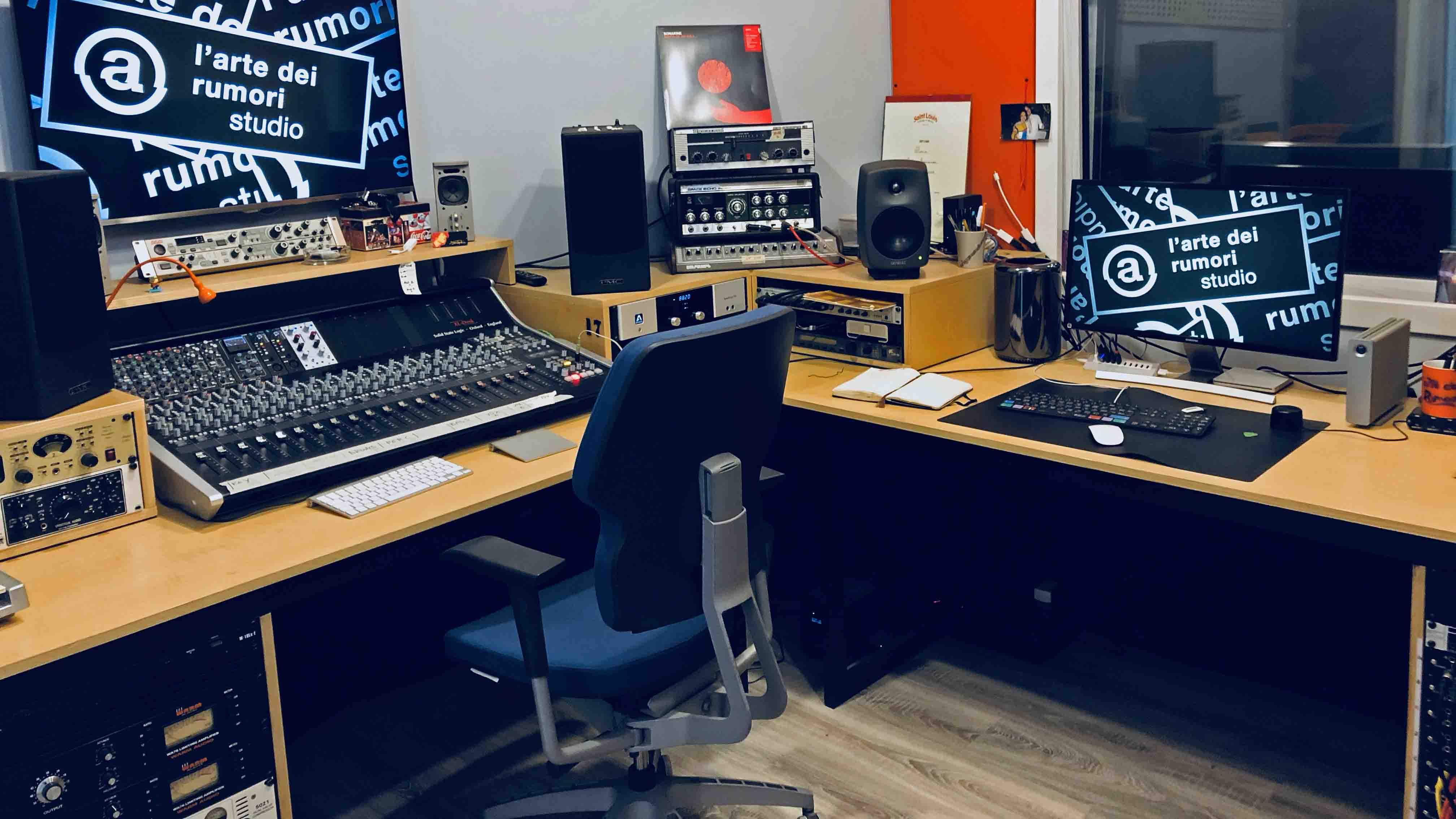 Studio di registrazione Larte dei Rumori AgeofAudio - API 2500 Bus compressor per UAD